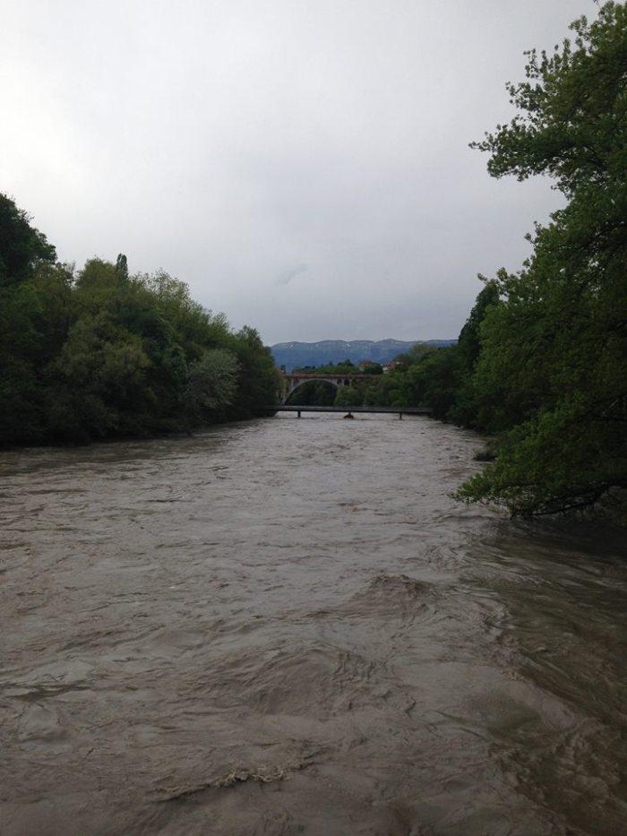 Massive, violent flow of water on the Arve River.