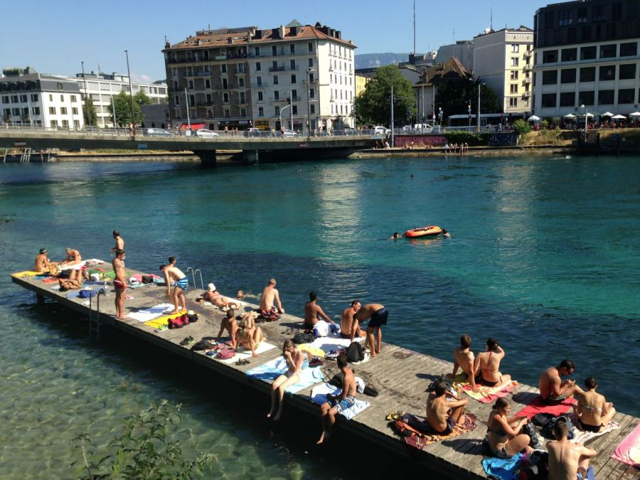 Diving in Lake Geneva1