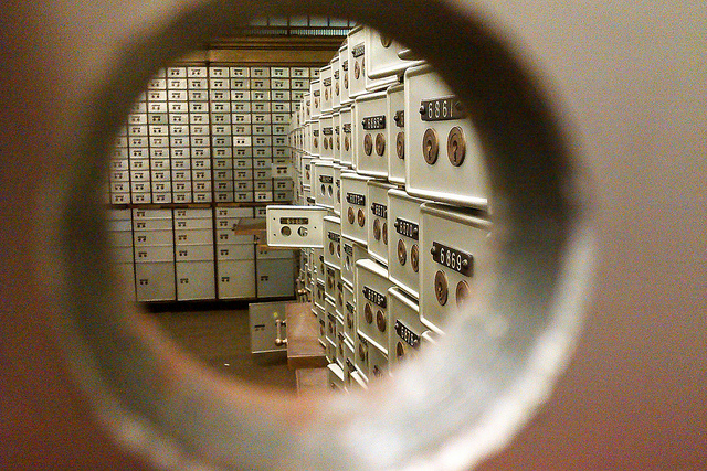 Bank vault revealed - Photo by Fiona Cullinan on Flickr