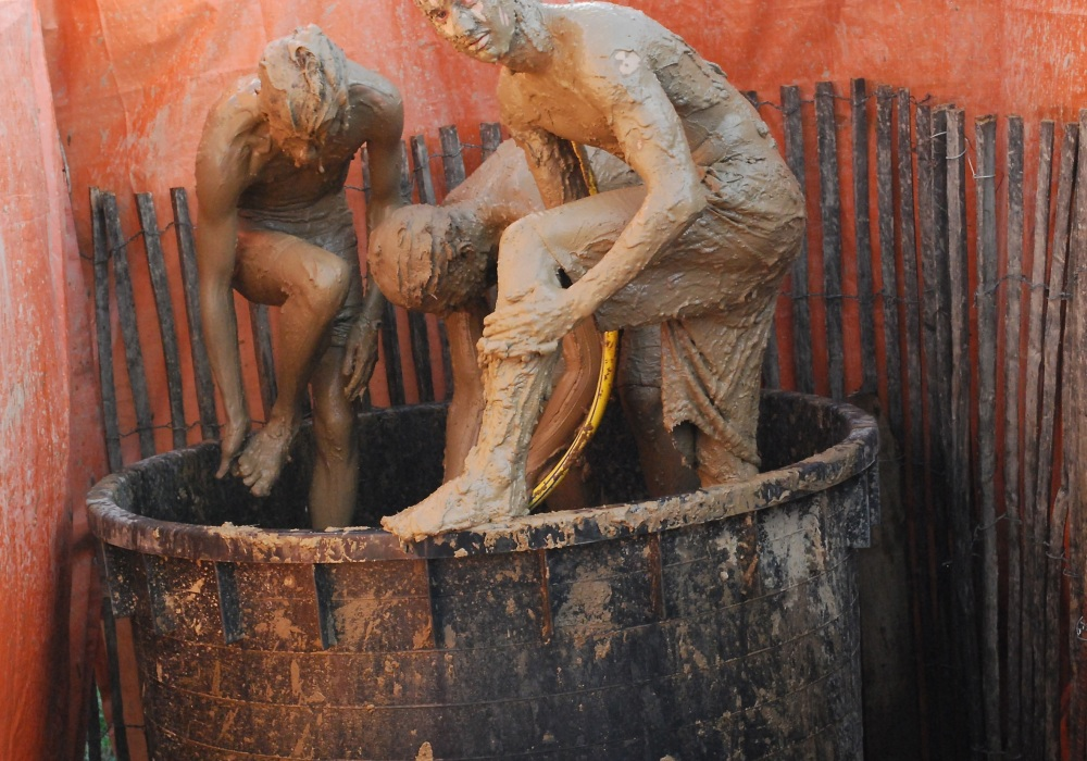 Mud bath Paleo1