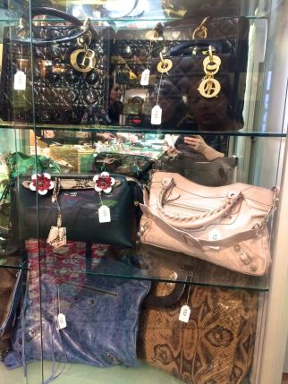Vintage sale in Geneva Switzerland02